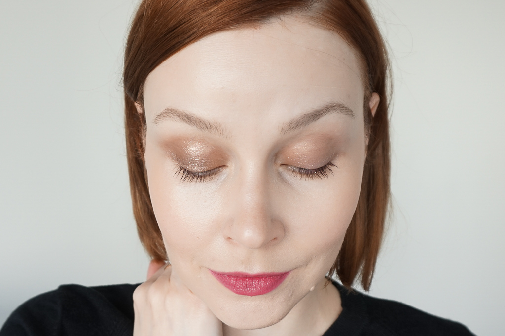 Hourglass Scattered Light Glitter Eyeshadow smoke review swatches recenzia